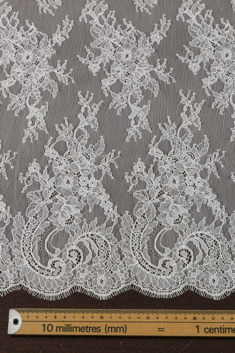 Bridal Lace MB 156-€110