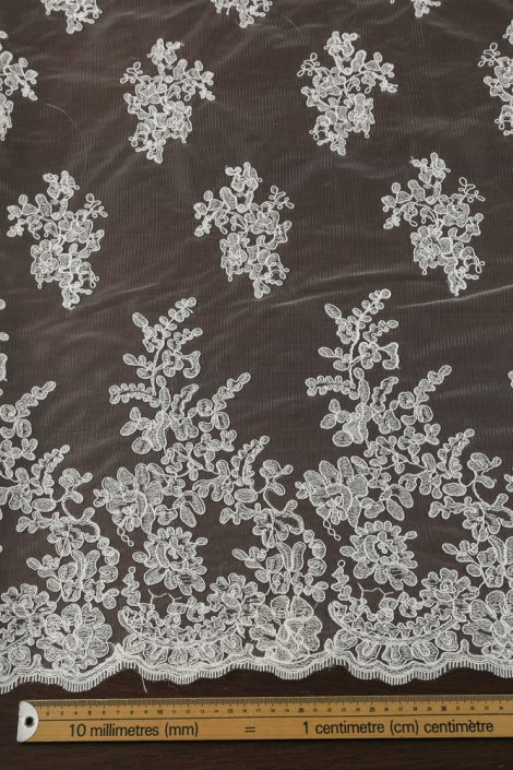 Bridal Lace MMM 9565 €35