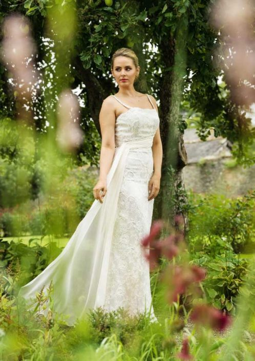 Ivory treble silk-satin crepe with beaded lace