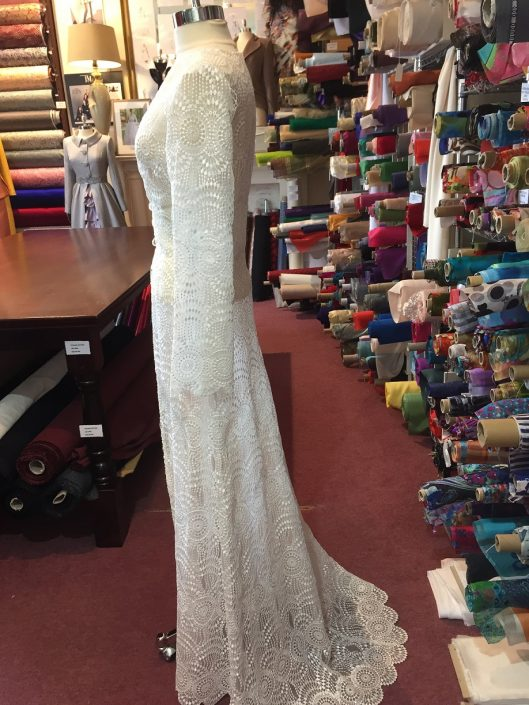 sample wedding dress for sale Guipure Lace Bridal Coat Size 8-10 €150